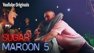 Maroon 5 surprise a teen for the pa...