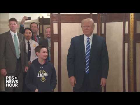 President Trump surprises visitors on first day of resumed White House public tours