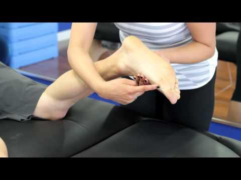 What Causes Flat Feet? - Huntington Beach CA