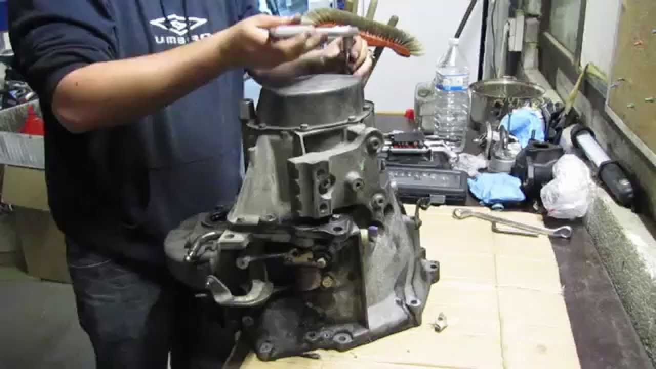 Peugeot 207  BE4 Gearbox Overhaul (Part 1)  YouTube