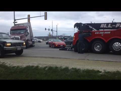 Truck Gets Stuck Making Simple Turn - Machesney Park, IL - United States of America