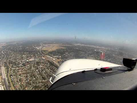 VFR Approach and Landing at Sacramento Exec (KSAC) in a Cessna 172