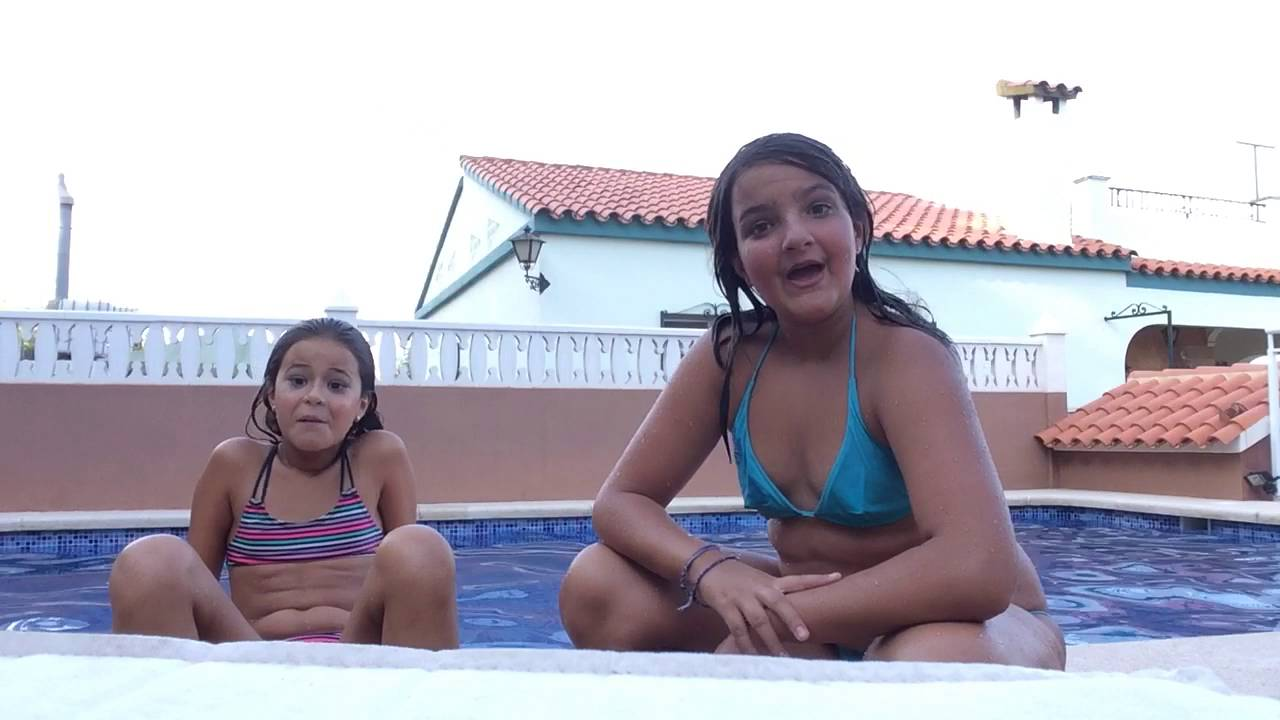 Un día en la piscina con mi prima