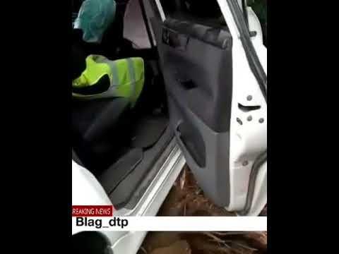Иномарка врезалась в дом в Белогорском районе