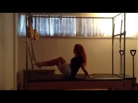 Ejercicio de Pilates de Pilar caballero #SoyPolestar en su estudio Pilartes