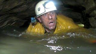 Gambar cover Peak Cavern (The Devil's Arse) - A Caving Trip