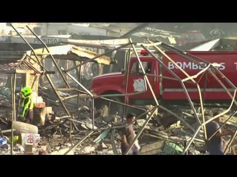Explosão em mercado de fogos de artifício mata 32 pessoas
