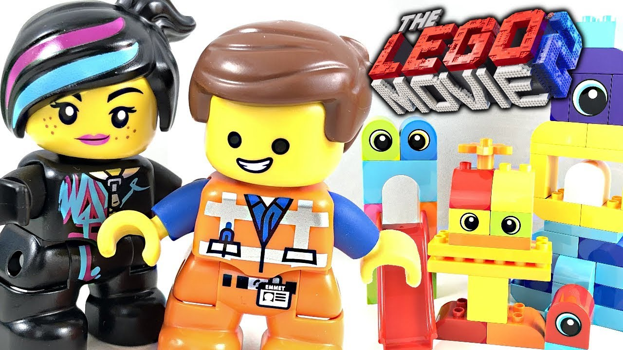 The LEGO Movie 2 Emmet and Lucy's Visitors from the DUPLO ...