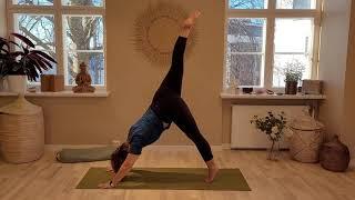 Energy Yoga 14 min Johanna