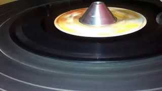 THE REVOLUTIONERS ~ Version (THE ITALS ~ In A Dis A Time, Dis Ya Time Riddim, B Side)