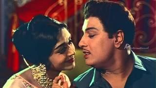Anbe Vaa - M.G.R questions Saroja Devi