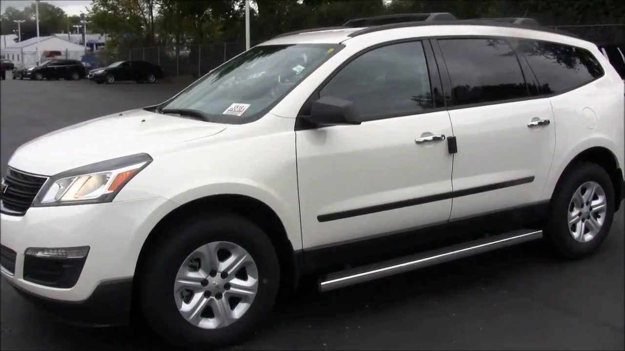 new cars in flint 2014 chevy traverse ls hank graff. Black Bedroom Furniture Sets. Home Design Ideas