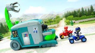 Мультики про машинки видео для детей с игрушками Герои в масках Разделяй и властвуй