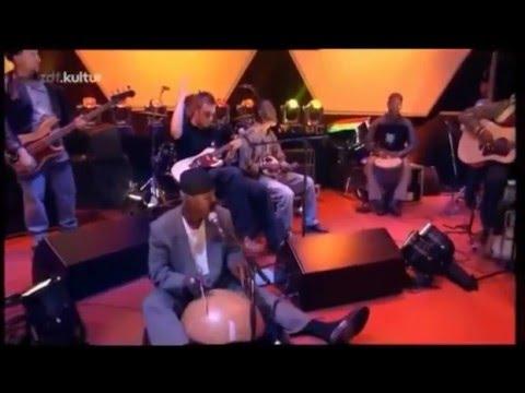 Mali music - Niger (Damon Albarn & Afel Bocoum ) (Live)
