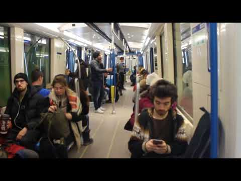 Montreal Metro - Action from A to B! (Cote-Des-Neiges to Monkland Village)