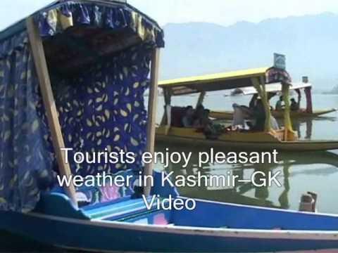Tourist enjoy pleasant weather in Kashmir