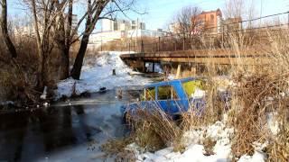 В реке найдена машина