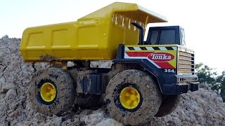 Tonka Dump Truck Toy in Giant Sandbox! Construction Vehicles Toys For Kids