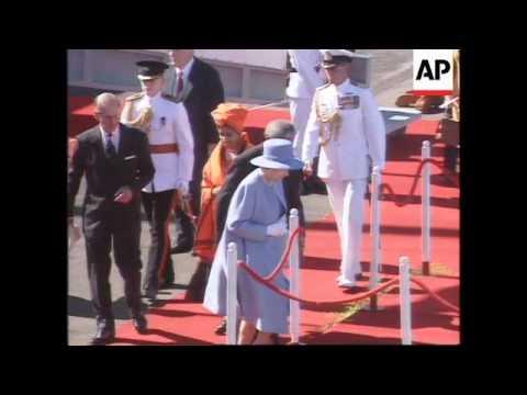 S.Africa - Queen Elizabeth II Meets Mandela