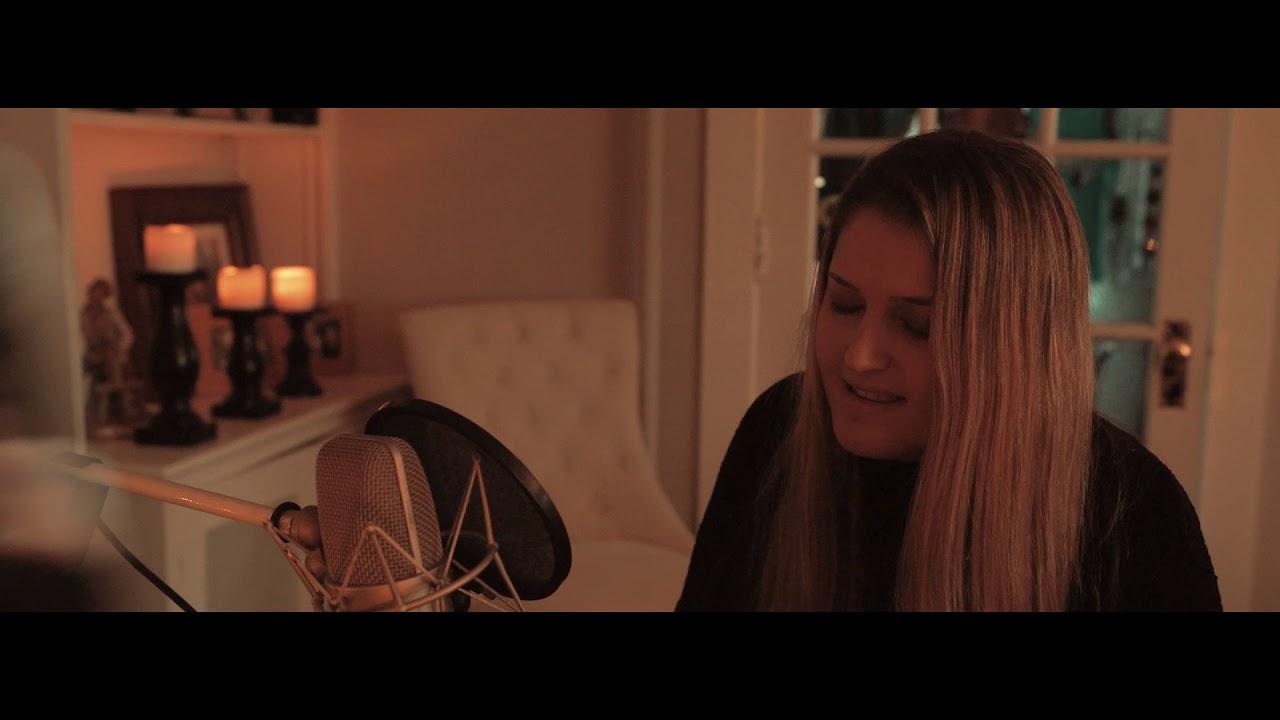 foto de Chelsea Cutler - Mess (Acoustic Version) - YouTube