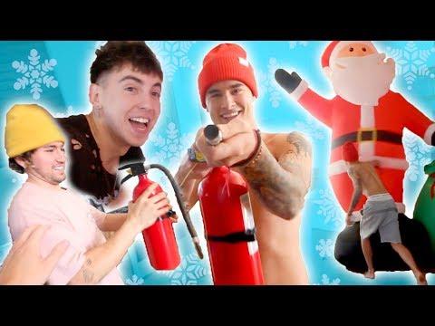 ROOMMATES VS. CHRISTMAS DECORATIONS!! || VLOGMAS DAY 3