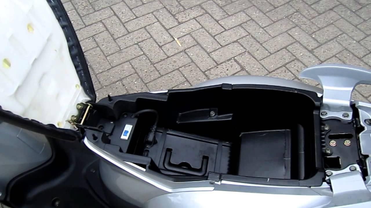 emco novi 25 km h elektrische scooter emco e roller 25. Black Bedroom Furniture Sets. Home Design Ideas