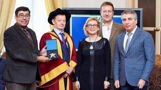 В ТюмГУ вручили дипломы британского вуза в рамках программы двойных дипломов
