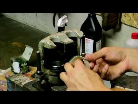 Как просто установить тормозной поршень в суппорт Kia Sorento 1 поколения