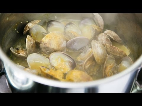 How to Clean Fresh Clams Before Cooking