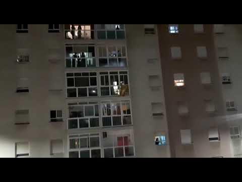 Ceuta se une al homenaje a los profesionales de la sanidad con aplausos desde las ventanas