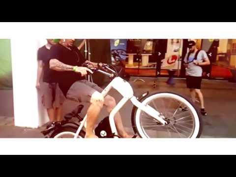 YouMo eCruiser stunt at Eurobike 2016