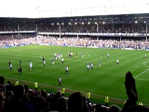 Joleon Lescott Chanting & Final Whistle - Everton vs Man City 7th May 2011