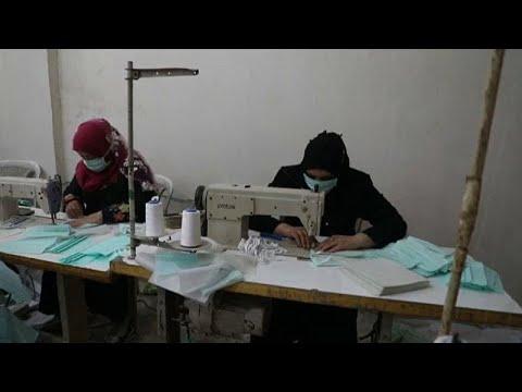 شاهد: سوري يبدأ خط إنتاج كمامات لمواجهة فيروس كورونا في مناطق شمال سوريا…  - 07:58-2020 / 3 / 30