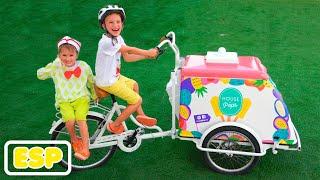 Niki fingir jugar vendiendo helado y querer nuevos carros de helado