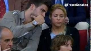 Shakira y Pique - Celebrando Gol - Barcelona VS Osasuna / Abrazos y Besos thumbnail