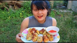 Cooking skills | Make fried cakes with potatoes and eggs - primitive life | survival skills. HT