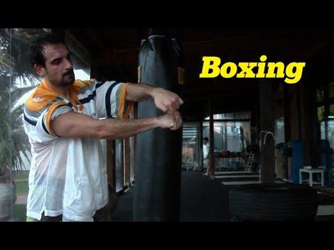 Corso di boxe gratuito lezione 8 esercizi al sacco - Allenamento kick boxing a casa ...
