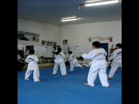 ..Exame de taekwondo Faixa branca..
