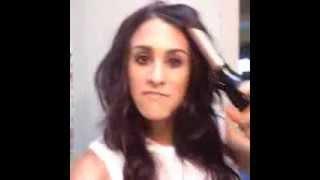 Видео девушка с плойкой