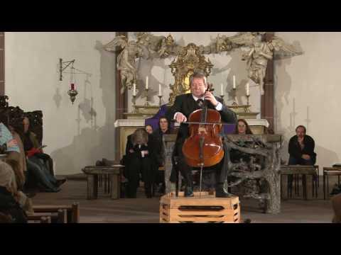 Beckmann spielt Cello in der  Frauenkirche Frankfurt a. M. Full HD 1080px