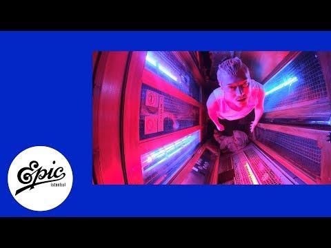 Burakbey - sarbeni |  Lyric Video