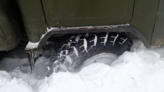 газ 66 штурмует снег