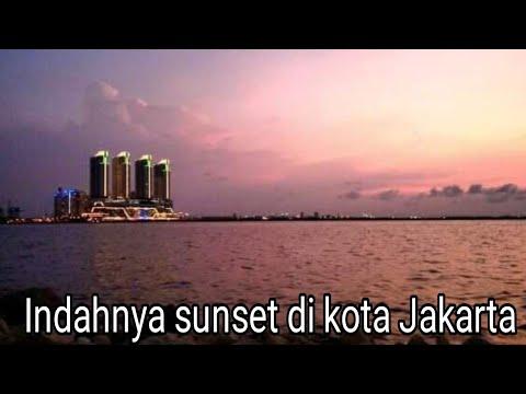 Sunset Di Kota Jakarta