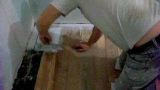 Как выровнять деревянные полы(Подробности на http://doctorlom.com/item28.html Если старые деревянные полы довольно крепкие, но неровные и со щелями,..., 2011-11-05T20:20:06.000Z)