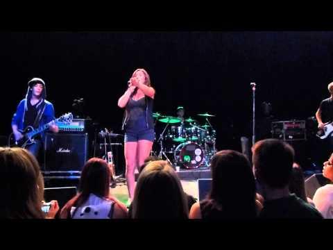 Alyssa Reid - Alone Again - #Winnipeg at The Garrick 2011 Live
