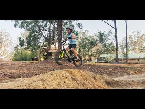 3 & 4 year old Backyard DOWNHILL BMX DIRT JUMPS - YouTube