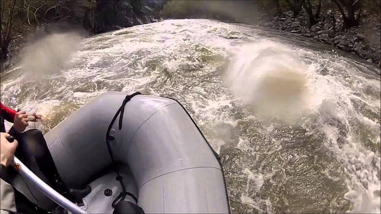 Рафтинг на река Струма (14 Април 2013) - YouTube
