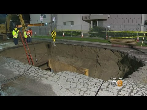 That Sinking Feeling: Studio City Residents Marvel At Big Street Crater
