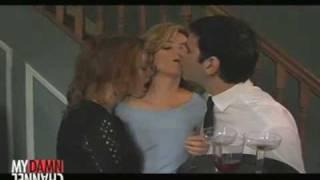 Alicia Witt kisses Elizabeth Banks- Wainy Days