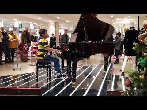 Queen Bohemian Rhapsody Stops Crowd In Shopping Mall - Public Piano Cover 11 Years Old